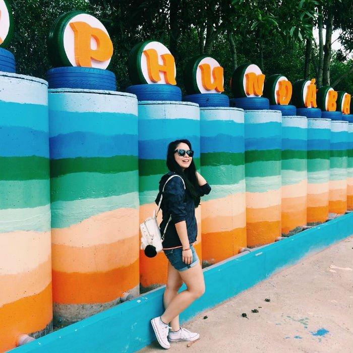 Những bức tường màu sắc tha hồ sống ảo