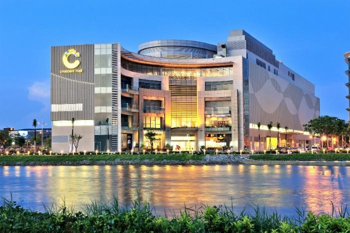 Không gian xanh mát của Crescent Mall