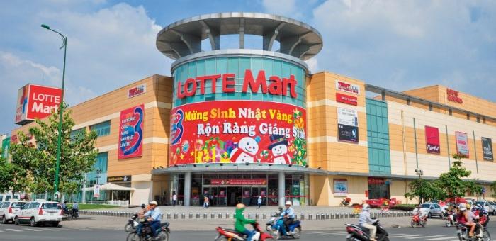 Lotte Mart Nam Sài Gòn - một trong những khu mua sắm sầm uất