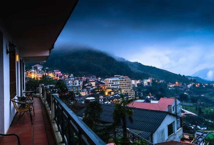 Fansipan View Villa hướng mặt ra bao quát cả thị trấn Sapa