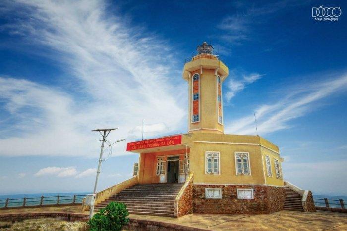 Trường Sa-Hải đăng Trường Sa Lớn  cột mốc sừng sững khẳng định chủ quyền Việt Nam