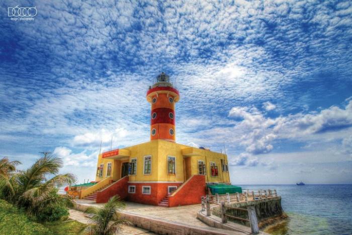 Trường Sa-Hải đăng Sơn Ca rực rỡ giữa biển trời quê hương