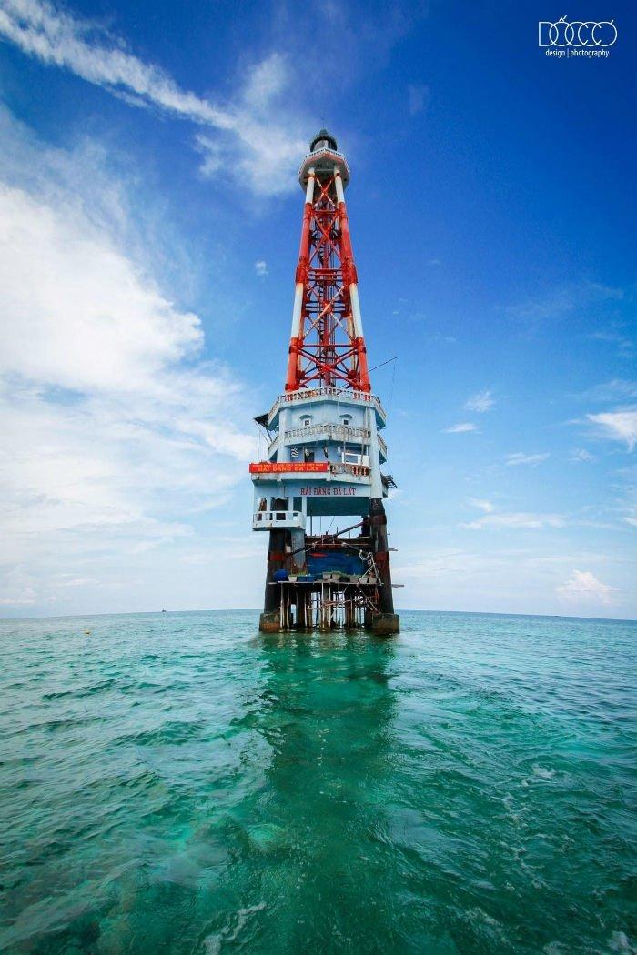 Trường Sa-Hải đăng Đá Lát vững chãi giữa biển khơi