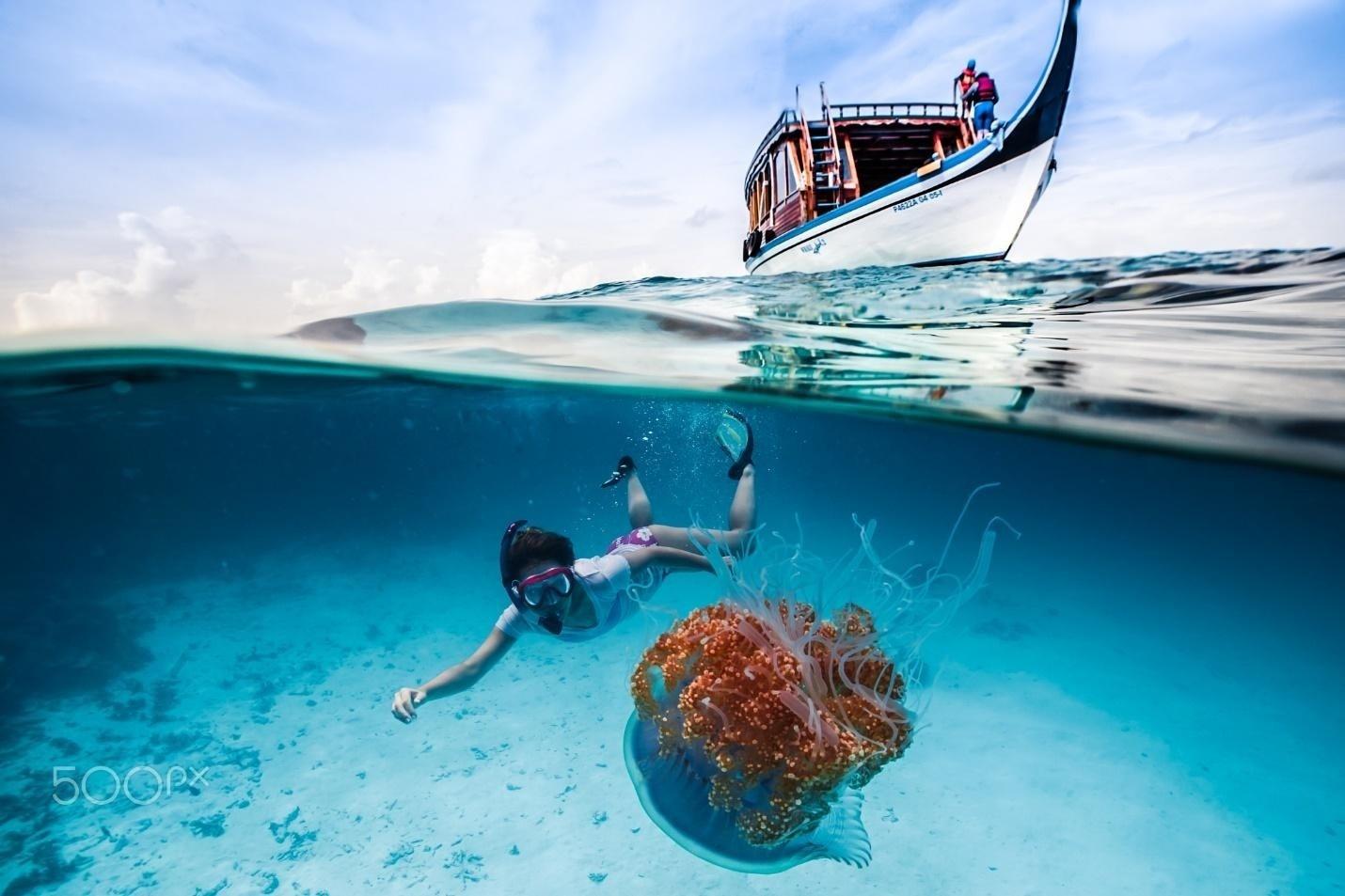 Đắm mình trong thiên đường biển xanh Maldives