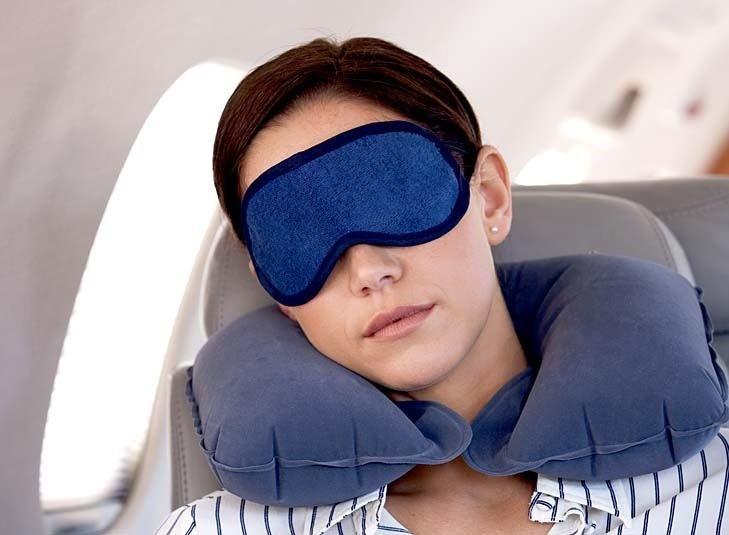Thay vào đó là một giấc ngủ sâu sẽ giúp bạn tỉnh táo hơn sau chuyến bay