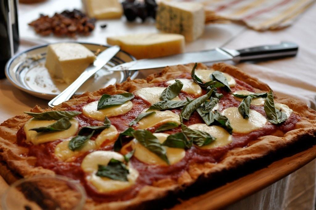 Hãy chọn các món ăn được ghi giá rõ ràng trên thực đơn