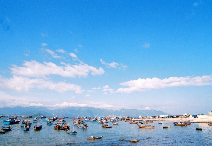 Không gian cảng Vĩnh Lương