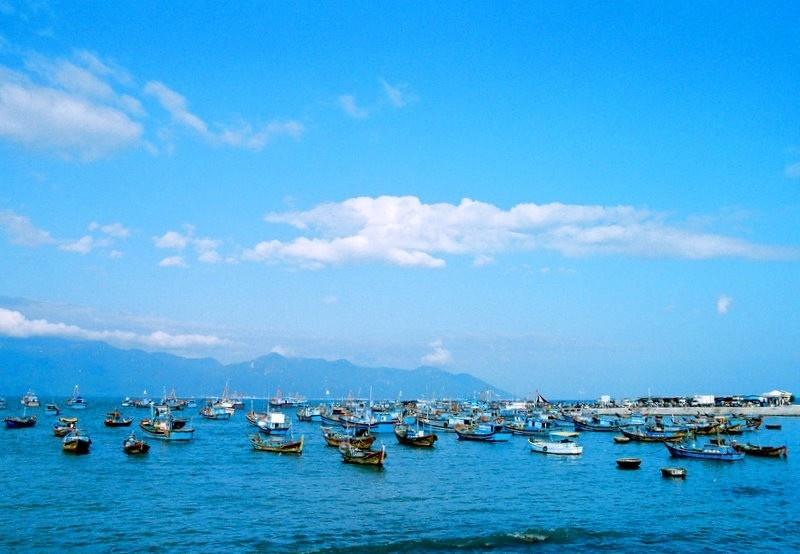 Biển cảng Vĩnh Lương