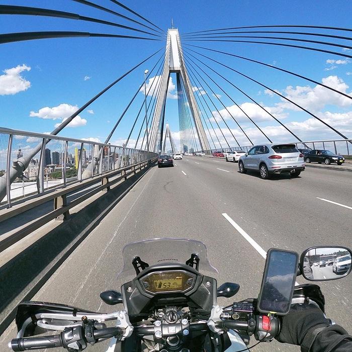 Check – in mỏi tay tại cầu cảng Sydney của Úc