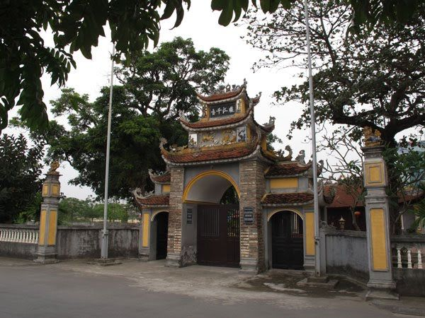 Cổng Miếu Trung Hành Hải Phòng