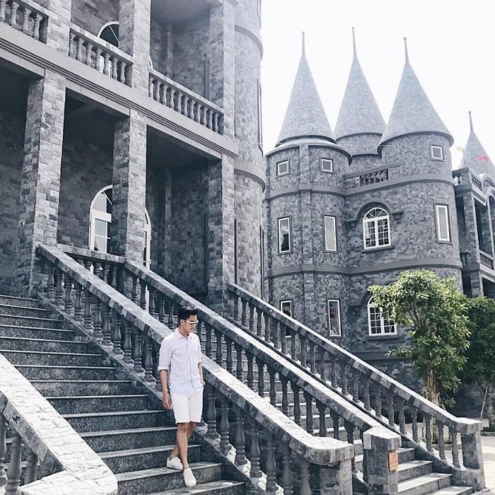 Trường Đại học Võ Trường Toản - Học viện pháp thuật Hogwarts của Việt Nam