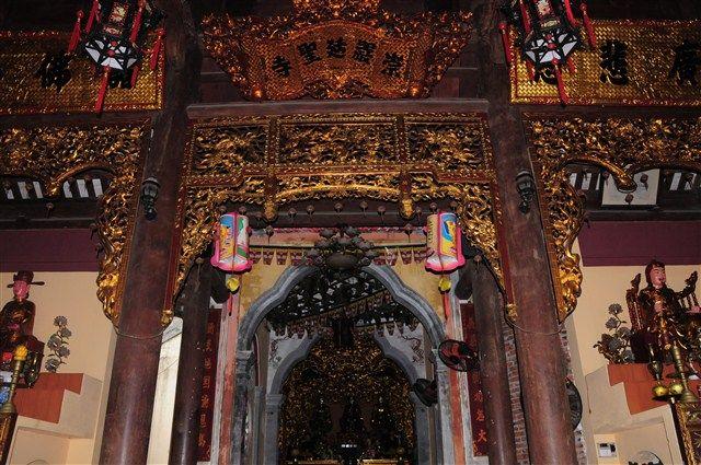 chính điện - chùa Sùng Nghiêm