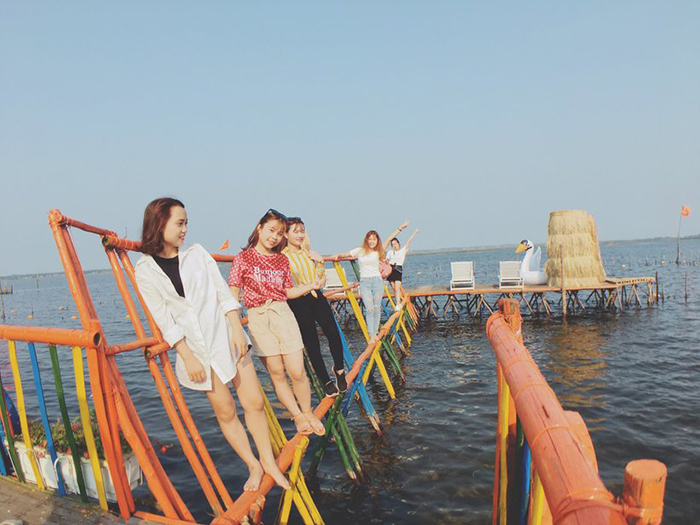 Phá Tam Giang đang là điểm check in yêu thích của nhiều bạn trẻ Huế và các tỉnh lân cận.