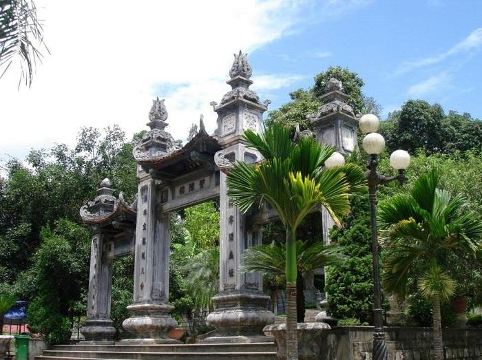 Tháng giêng rộn ràng lễ hội Đền Thượng Lào Cai