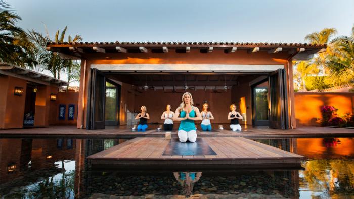Resort hiện đại có thể đáp ứng gần như mọi nhu cầu hoạt động, giải trí của du khách