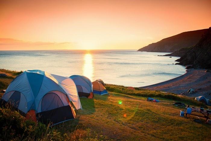Du lịch cắm trại - một trong những hình thức du lịch được giới trẻ rất yêu thích