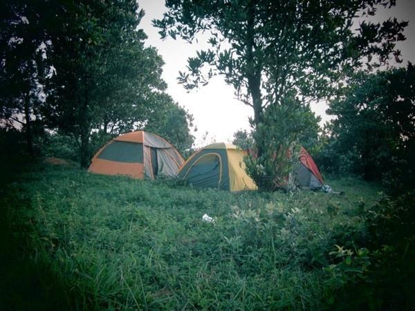 Cắm trại trên núi Hàm Lợn
