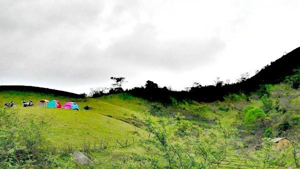 Đồng Cao - Nơi đây có khí hậu thoáng đãng, không gian đẹp thuận lợi cho việc cắm trại