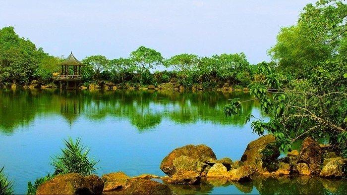 Xanh ngắt ao thu ở Thiên Sơn - Suối Ngà