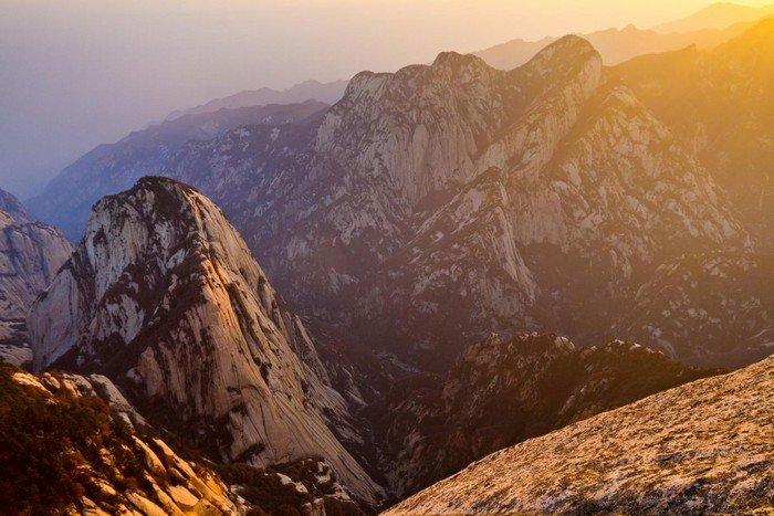 Ngọn núi Hoa Sơn hùng vĩ