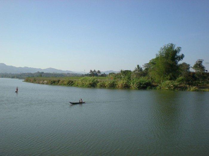 Nhẹ nhàng trôi trên dòng sông êm dịu khám phá mảnh đất Kon Tum