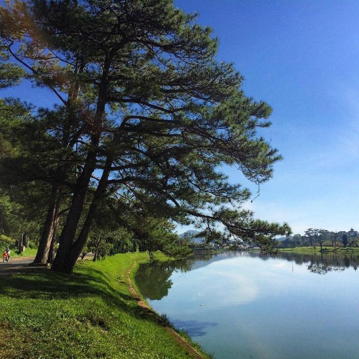 Xanh trong nước hồ Xuân Hương