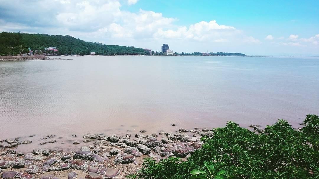 Biển bình yên - Ảnh: @jacklez.ts