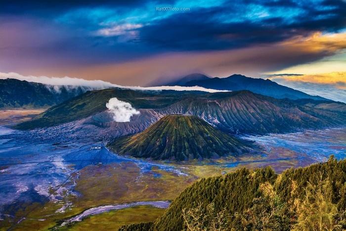 Và cả những ngọn núi lửa hùng vĩ tuyệt đẹp