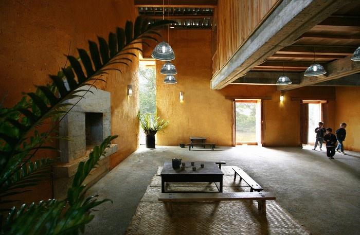 Hà Giang - Ngôi nhà được chia thành các không gian cho hội họp, hoạt động cộng đồng với một bảo tàng nhỏ và 5 phòng ngủ.