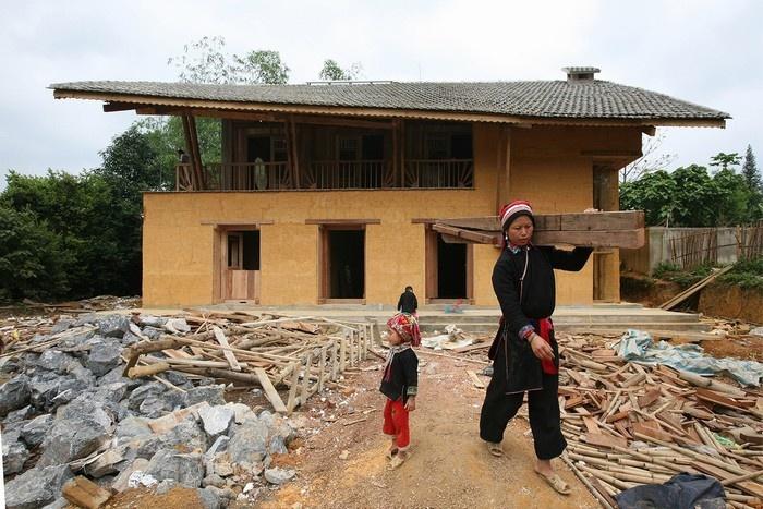 Quá trình xây dựng ngôi nhà Hà Giang cũng được tạp chí kiến trúc Mỹ đăng tải chi tiết với kỹ thuật hiện đại kết hợp truyền thống