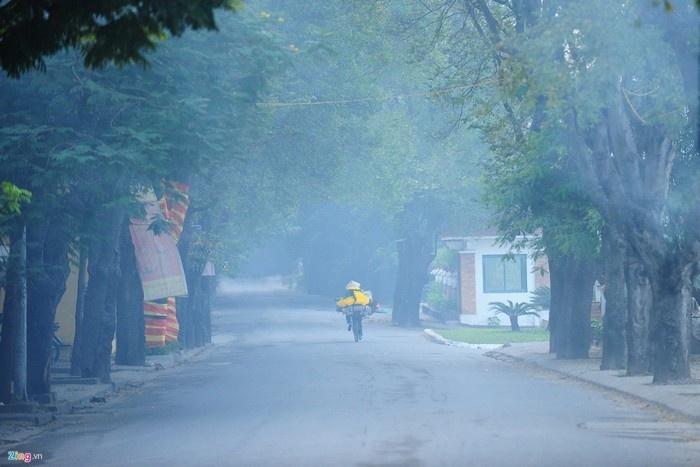 Hà Nội mơ màng trong sương sớm