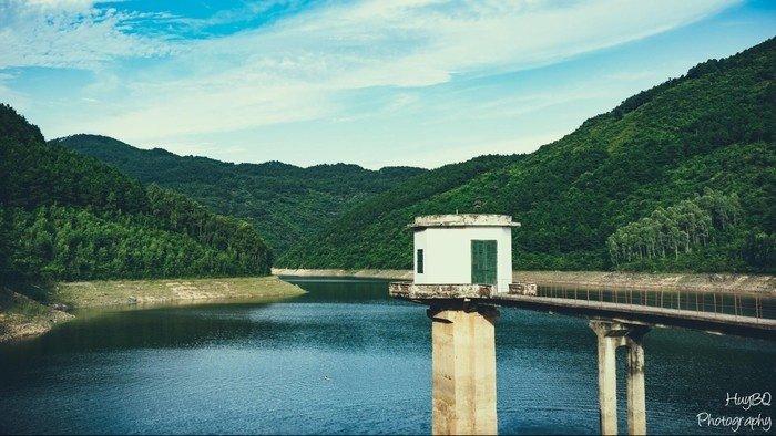 Một góc hồ Xạ Hương