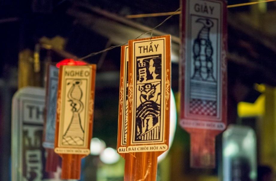 Những thẻ bài mang dáng hồn phố Hội