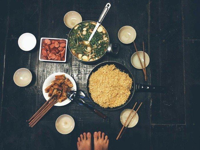 """Bữa cơm tự nấu ở """"Nhà"""" - Ảnh: Quyen T Luu"""