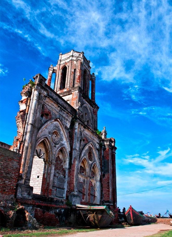 Nhà thờ cổ ven khu vực biển Hải Hậu