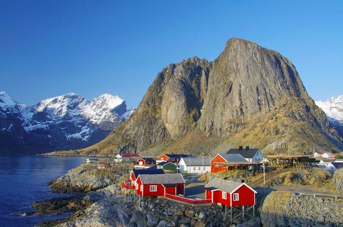 Những ngôi nhà trong lòng đảo khơi ở Lofoten