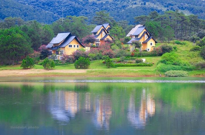 Bình An trên hồ Tuyền Lâm thanh bình