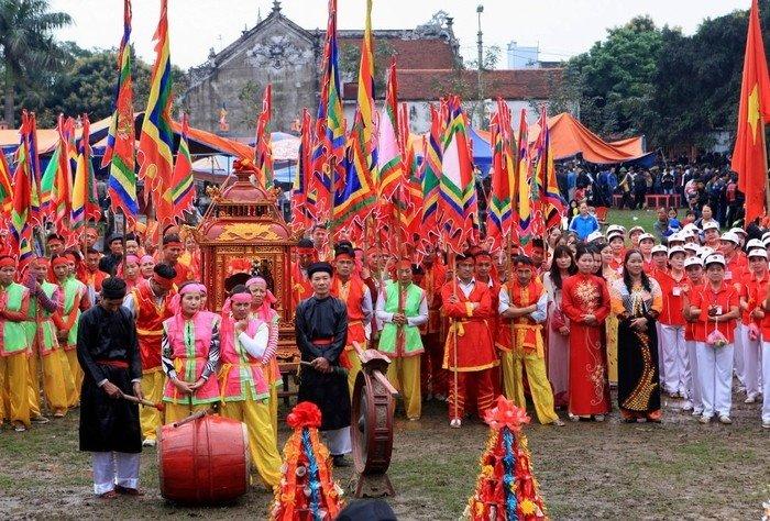 Lễ hội đặc sắc được tổ chức hàng năm ở làng Diềm