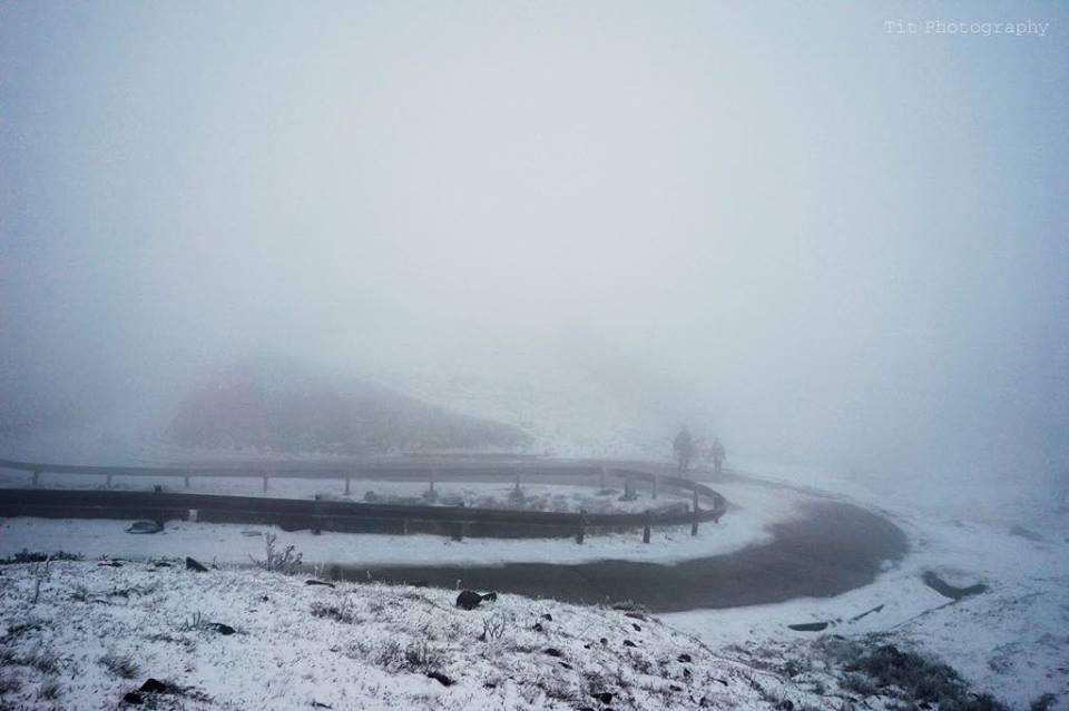 Con đường đèo Mẫu Sơn trở nên lạ lẫm