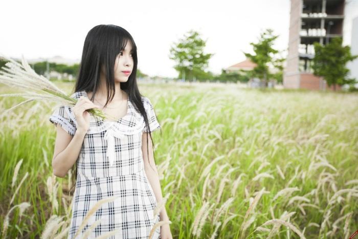 Xinh tươi giữa đồng cỏ lau Sài Gòn