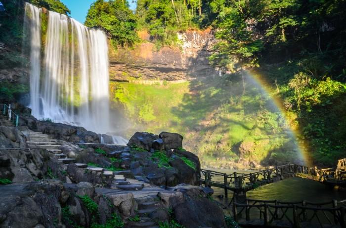 Ngọn thác huyền thoại ở vùng đất núi rừng Tây Nguyên đại ngàn - Ảnh: Trần Minh Hoài