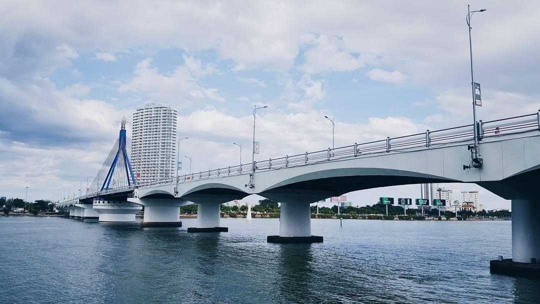 Cầu Sông Hàn – cây cầu đánh dấu cho hành trình bắt đầu vươn mình của vùng đất bờ Đông Sông Hàn