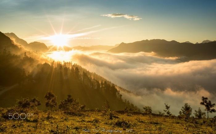 Sapa vẫn chìm trong sương mây bồng bềnh