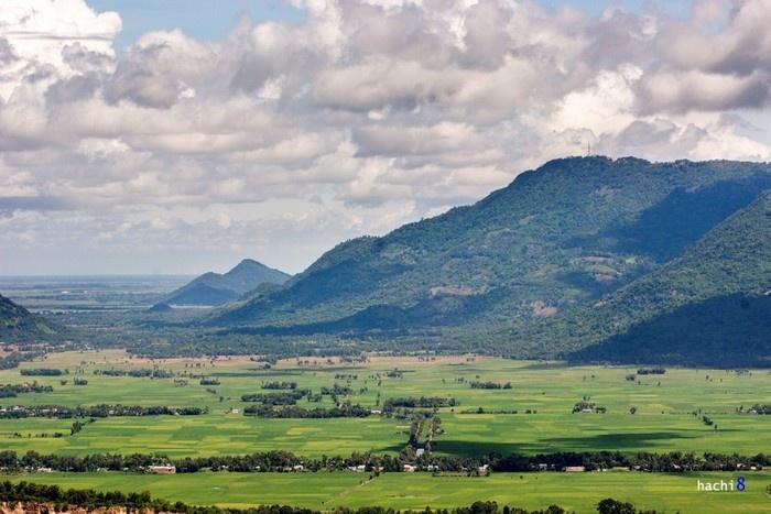 Thiên nhiên hữu tình quanh đồi Tà Pạ