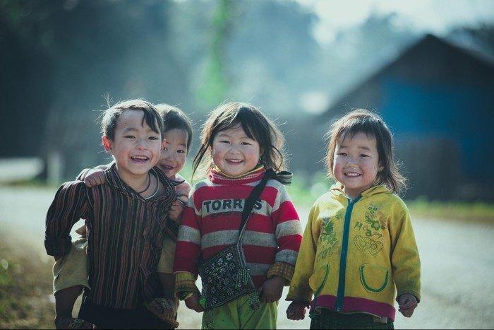 Có nụ cười giòn tan của những đứa trẻ vùng cao Tây Bắc