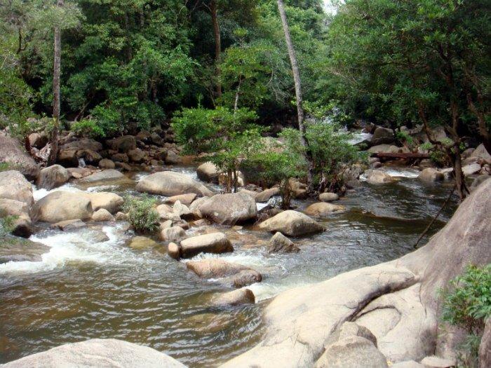 Thác Bà - Chỉ có đất trời, suối nước và ta