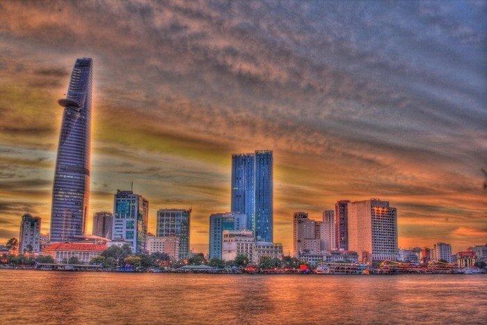 Sài Gòn tựa như một bức tranh đa sắc màu