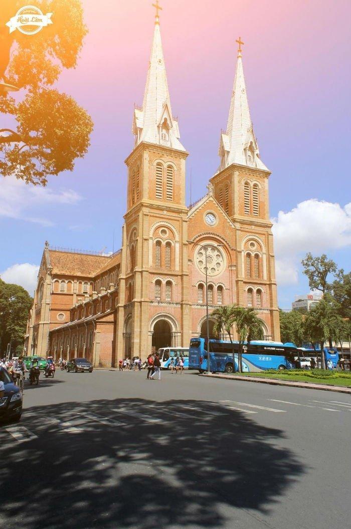 Nhà thờ Đức Bà  một góc xưa cũ của Sài Gòn