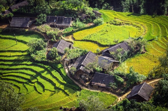 Hay thăm thú những bản làng Sapa nằm bình yên bên thung lũng