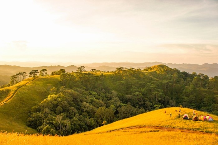 Tà Năng - Phan Dũng - Đuổi theo ánh mặt trời còn sót lại cuối ngày